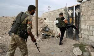 ÖSO-SMO, Rojava köylerindeki evlere el koyuyor