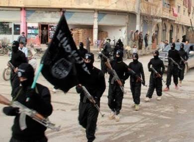Suriye ordusuna saldıran IŞİD, 2 askeri infaz etti