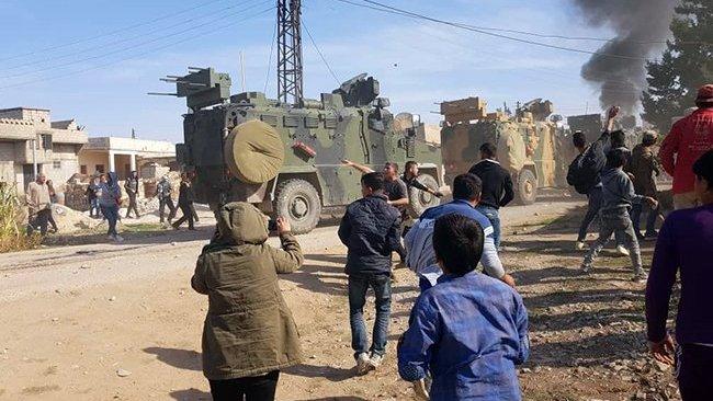 Rojava'da devriye protestosunda halka ateş açıldı: Ölü ve yaralılar var!