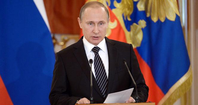 Putin'den Libya açıklaması: Kriz barış yoluyla çözülmeli