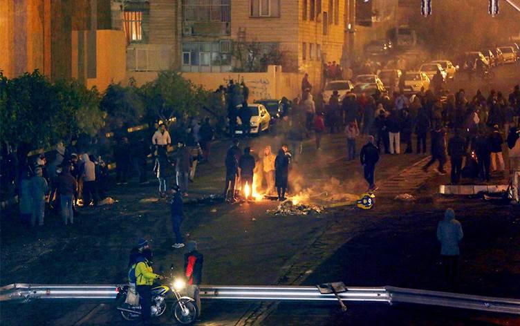 Tahran yönetiminden protestoculara idam tehdidi