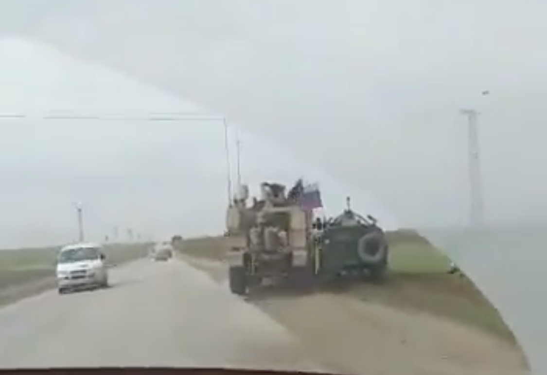 VİDEO | ABD ve Rus zırhlı araçları Rojava'da kapıştı!