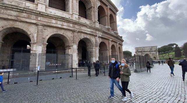 İtalya'da ölüm oranı 743 sayı artarak 6 bin 820'ye yükseldi