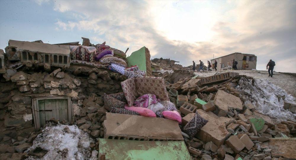 Rojhilat'taki depremin bilançosu ortaya çıktı