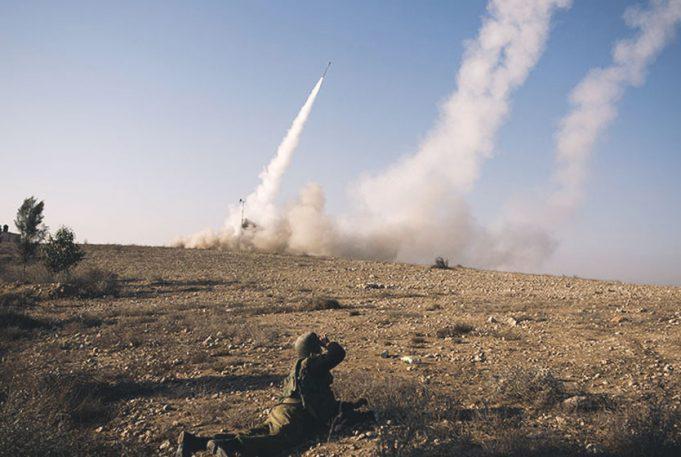 """""""İsrail, Suriye'deki İran güçlerini bombaladı"""""""