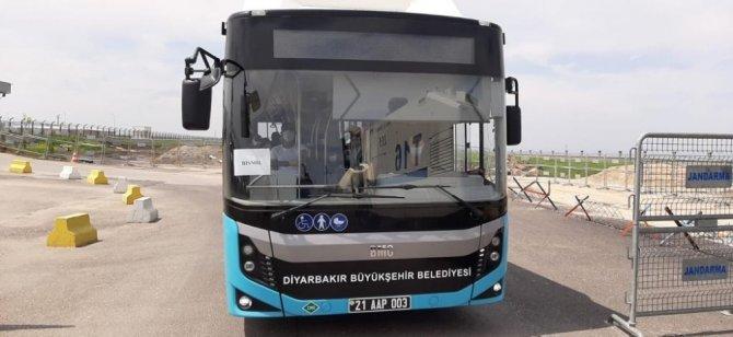 Diyarbakır ve Siirt'te mahkumlar otobüslerle tahliye edildi