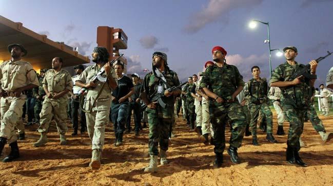 Rusya, Hafter saflarına Suriyeli savaşçı gönderiyor