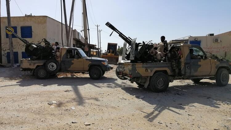 Hafter güçleri, Trablus'a roketlerle saldırı düzenledi