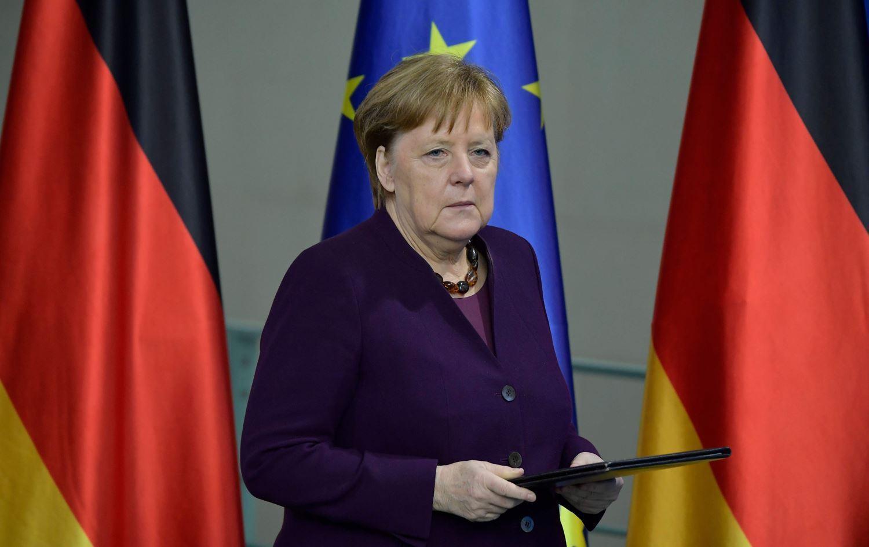 Angela Merkel'den AB'ye daha fazla destek sinyali