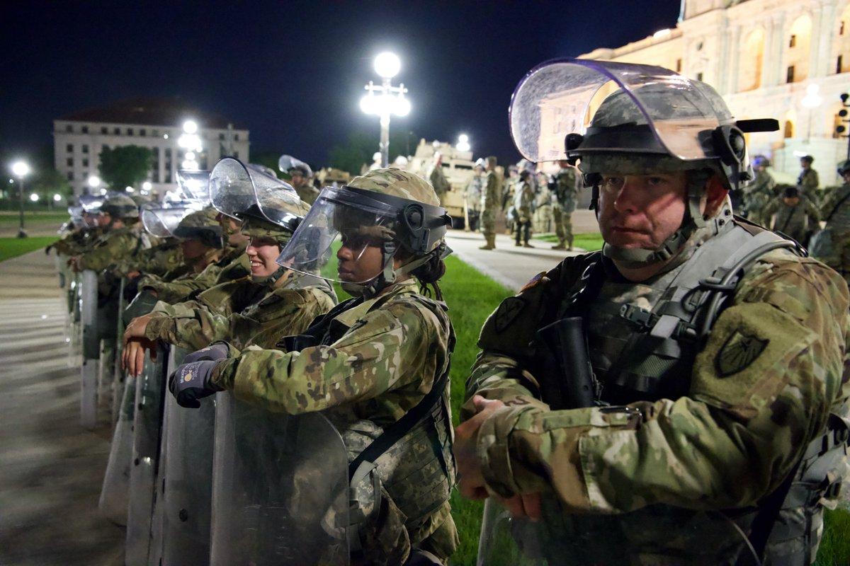 ABD'de kritik talimat: 1500 muhafız Washington'a yığıldı